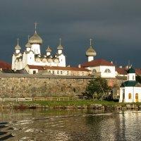 Перед грозой. Соловецкий монастырь :: Марина Бушуева