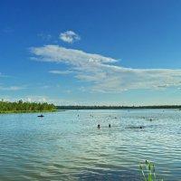 Купание на озере. :: Владимир Михайлович Дадочкин