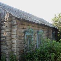 Дом, построенный после Великой Отечественной войны :: Анна Наумова