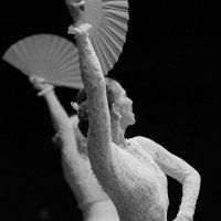 Танец :: Олег Карабаш