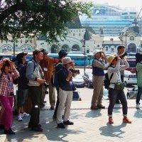 Японские туристы. :: Александр TS