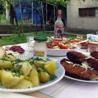 Завтрак в деревне :: Наталья Джикидзе (Берёзина)