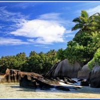 Остров в Индийском океане :: Евгений Печенин