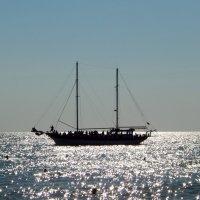 Яхта. Черное море. :: Лариса