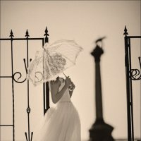 Если долго смотреть на девушку, то можно увидеть, как она выходит замуж :) :: Алексей Латыш