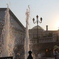 Романтичный вечер на Манежной площади :: Ирина Кураж