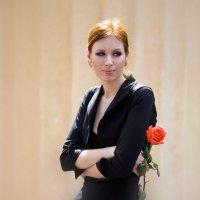 Девушка с розой :: Alexander Varykhanov