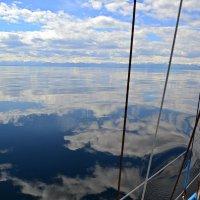 Плывущая меж облаков :: Ольга