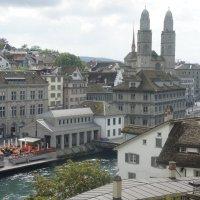 Ратуша и Гроссмюнстер, вид с Линденхофа (квартал Цюриха) :: Елена Павлова (Смолова)