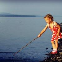 Ловись рыбка большая и маленькая! :: Ирина Трифонова