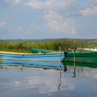 Лодки на озере. Фото 2. :: Александр Степовой
