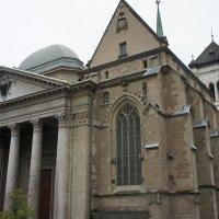 Собор Святого Петра. Спереди Собор удивительно похож на Пантеон :: Елена Павлова (Смолова)