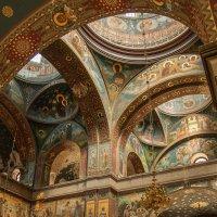 АБХАЗИЯ_в храме Новоафонского мужского монастыря :: Андрей ЕВСЕЕВ