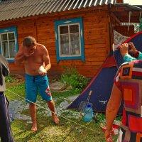 Этот народ не победить! Десять минут назад прекратился ледяной дождь и град. :: Владимир Михайлович Дадочкин