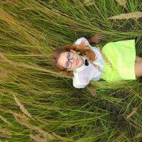 в траве :: Надежда Беспалова