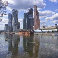 Монстры города :: Наталья Косарева