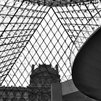 Пирамида Лувра :: Юлия Халяпина