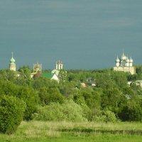 Вид на Борисоглебский мужской монастырь :: Валерий Щербаков