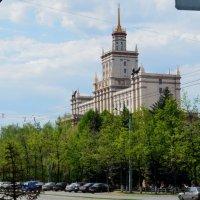 вид на университет г.Челябинск (бывший политех) :: нина старкина