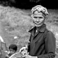Пожилая вьетнамка :: Игорь Чижов