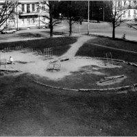 Детская площадка детства моего... :: Владимир Пальчик