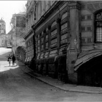 Старыми улочками... :: Владимир Пальчик