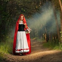 Красная шапочка :: Александр Нерозя