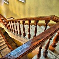 По лестнице вниз... :: Владимир Ноздрачев
