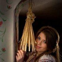 Рождественский портрет в народном стиле :: Михаил Светличный