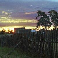 Восход в затоне Памяти Парижской Коммуны :: Яков Реймер