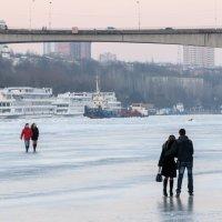 На льду :: Игорь Гутлянский