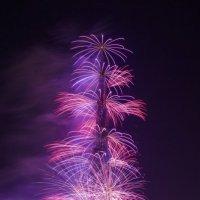 Dubai - Burj Khalifa - Fireworks :: Alex Okhotnikov