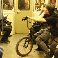 в метро... :: наталья якушева