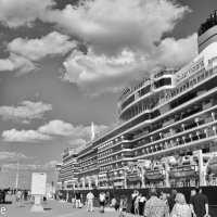 Морской вокзал :: Вахтанг Хантадзе
