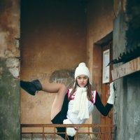 гимнастка на прогулке :: Валерий Худушин