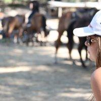 Перед конной прогулкой :: Наталья Тырданова