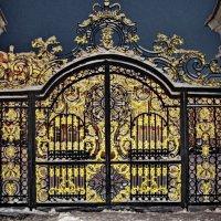 Ворота в парадный двор Екатеринирского дворца :: Олег Попков
