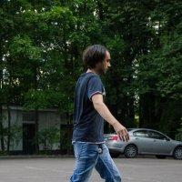 Летящей походкой... :: Станислав Ковалев