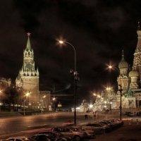 Ночной Кремль :: Андрей Кравец
