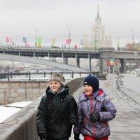 А мы идём,шагаем по Москве.. :: Юля Стаброва