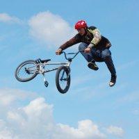 И на велосипеде можно летать :: Тимофей Герасимов