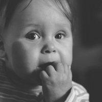 папа пришел?...мама не говори ему ничего пожалуйста!!! :: Андрей Данилов