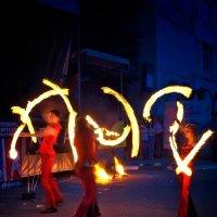 Танцы с огнем :: Владимир Ноздрачев