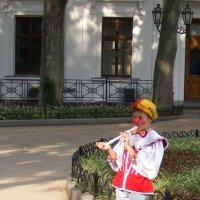 Маленький флейтист :: Александр Скамо