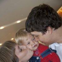 Папа, мама, я - дружная семья! :: Ekaterina Shchurina