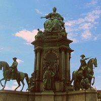 Памятник императрице Марии Терезии :: Elena Izotova