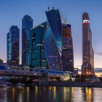Вечерняя прогулка :: Andrey Н