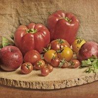 Натюрморт с желтыми помидорами. :: Елена Kазак (selena1965)