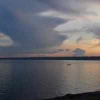Одинокий рыбак на Неве :: Ирина Михайловна