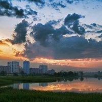 Рассвет над городом.. :: Вячеслав Семененко